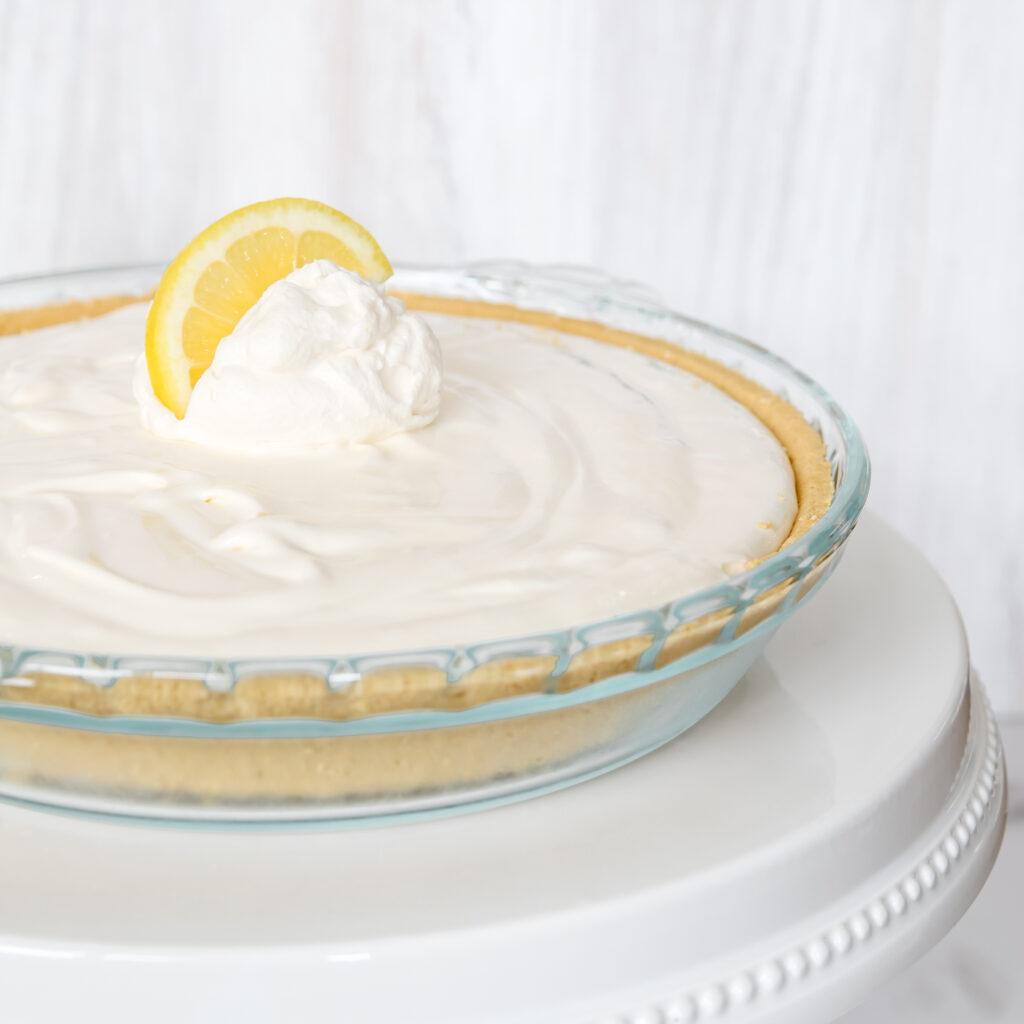 Yummy Frozen Lemonade Pie